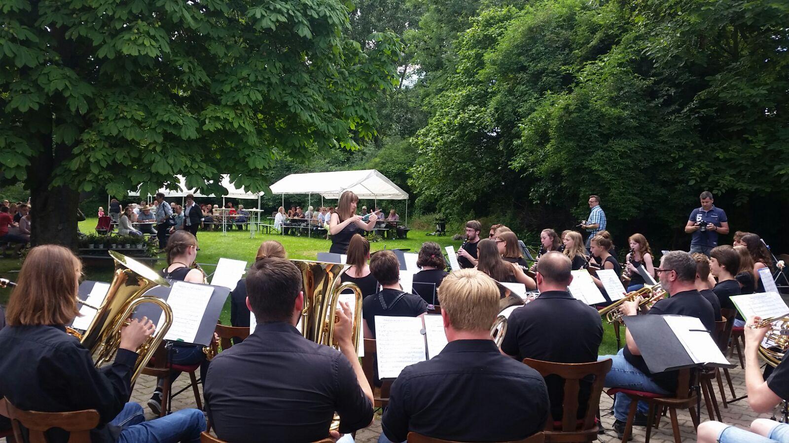 Jugendorchester beim Pfarrfest